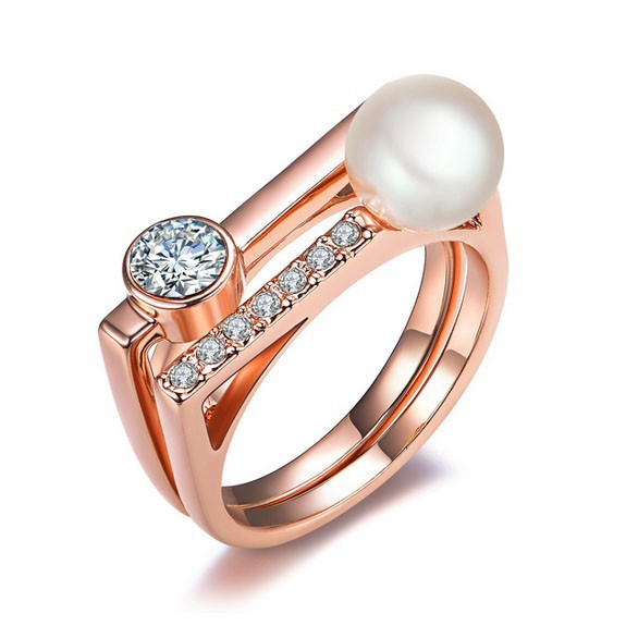 La Javardi Square Shaped Rose Gold Ring with Pearl And Crsytals La